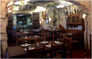 restaurante-la-gruta-carnes-a-la-brasa-0